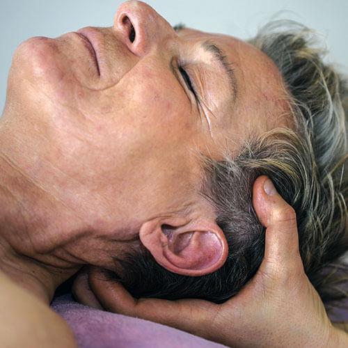 Energetische Osteopathie bei Physiotherapie Körperschwung